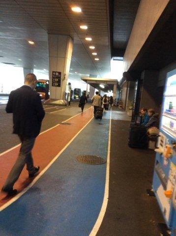成田代3ターミナルへの道IMG_2095