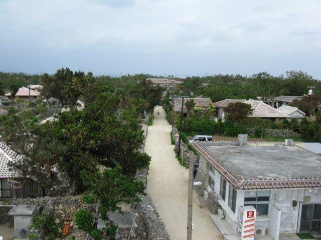 竹富島の白い道