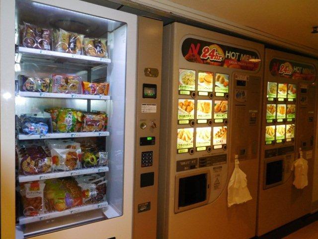 さるびあ丸軽食お菓子自販機
