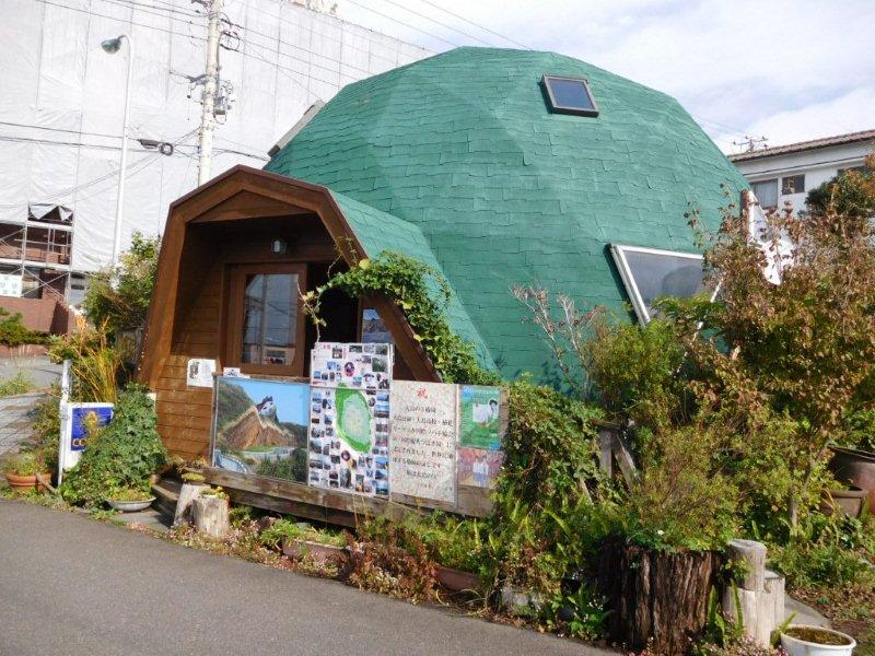 伊豆大島元町 亀さんな建物
