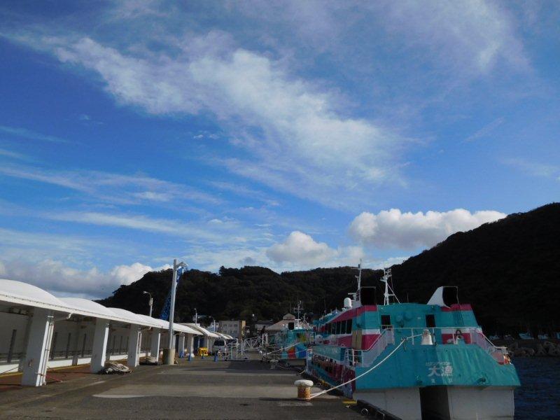 伊豆大島岡田港高速船